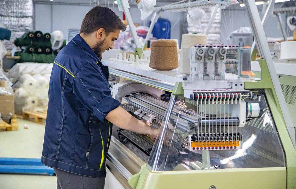 Высокая конкуренция за кадры в швейной отрасли
